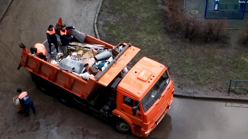 Камаз на сборе мусора г Тольятти
