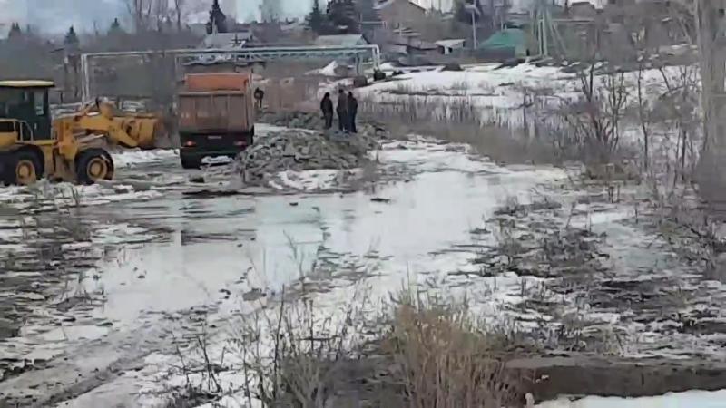 Отсыпка грунта - шлюзы Зыряновск