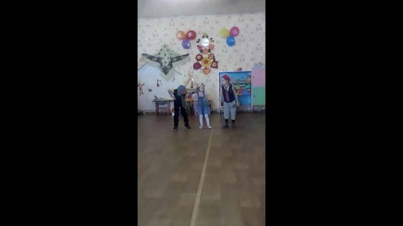 8 марта танец пупсиков😂