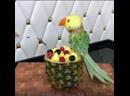 Попугай из ананаса шикарная идея Порадуй своих гостей