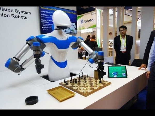 ITRI shows OLED Lighting, Chess playing robot Turk 2017 / Video by Charbax