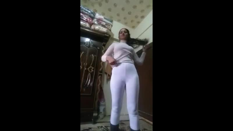 Liseli çarşaflı kız soyunuyor - Türk ifşa Videosu, Türbanlı ifşa