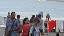 Керчь набережная Селфи красивой девушки на фоне керченского моста