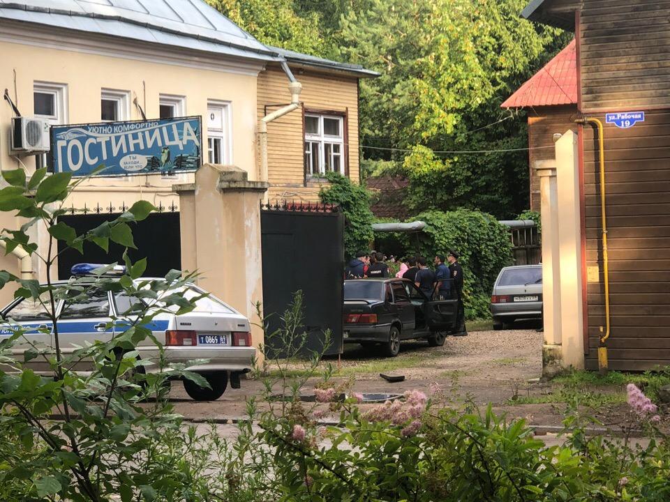 В Осташкове у гостиницы НАУТИЛУС прозвучали выстрелы