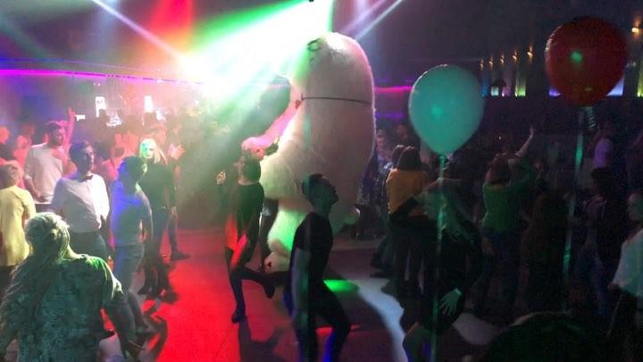 DIMA KUPER Какой же это кайф когда все на одной волне танцуют под любимую песню 2Маши Босая ❤️