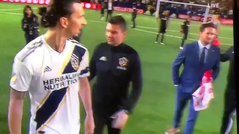 Нападающий Лос Анджелес Гэлакси Златан Ибрагимович вступил в словесную перепалку с тренером Лос Анджелеса после матча MLS