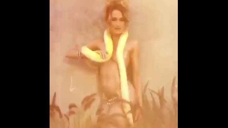 Kimberly K. nude shoot with a snake 2