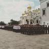 Исполнение Государственного гимна РФ выпускниками на Соборной площади Московского Кремля