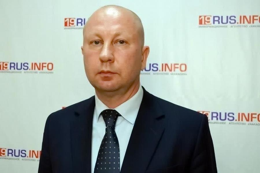 Водитель служебного автомобиля высадил вице-губернатора сибирского региона за хамство