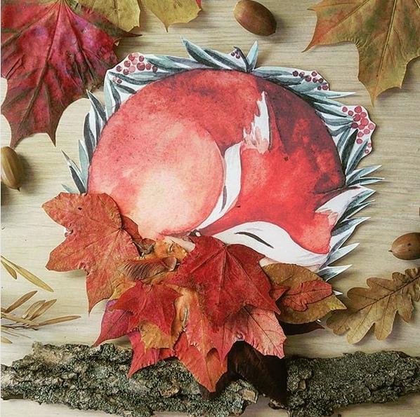 ОСЕННИЕ ПОДЕЛКИ ДЛЯ ДЕТЕЙ. Осень - рыжая лиса,Красит в рыжий цвет леса.Заметёт своим хвостомКаждый двор и каждый дом.Даже если пробежитОчень осторожно,Яркие её следыОтыскать не