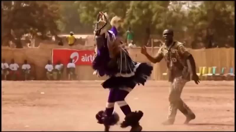 А когда на море качка Прикольный танец папуаса