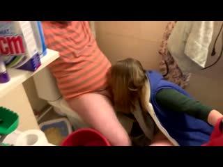 русские диалоги в туалете) Жена изменяет мужу с его разрешения в туалете) Смешные пьяные разговоры