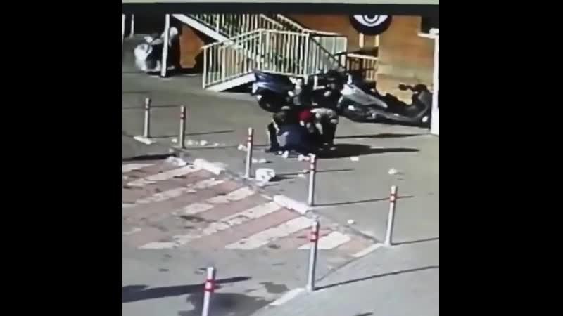 В Красногорске трое детей скинули пакет с мусором на семью
