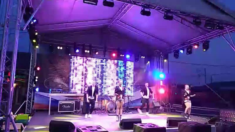 Танцевальный коллектив Галины Кобзевой
