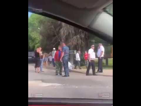 В Сочи полицейский автомобиль сбил девушку на электроскутере