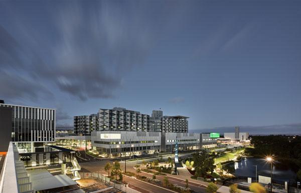 В австралийском госпитале Фиона Стэнли ключевую роль в восстановлении пациента играют дизайн и ландшафт.