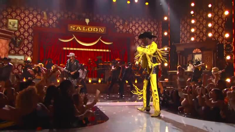 Lil Nas X Billy Ray Cyrus Bring The Old Town Road To The BET Awards Live! [Рифмы и Панчи]