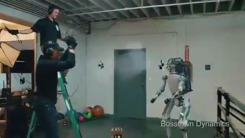Даже роботы научились делать то, что никак не научится делать российская оппозиция