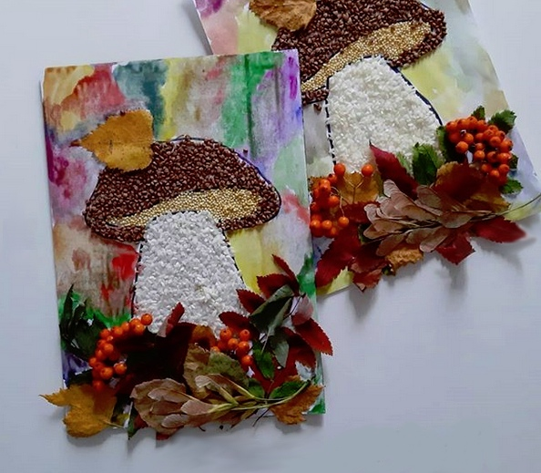 АППЛИКАЦИЯ ИЗ КРУП. Аппликация из круп Осенний гриб Что потребуется: - шаблон гриба (нарисовать или распечатать),- крупа,- клей ПВА,- сухие листья, ягоды,- акварельные краски.P.S: работать