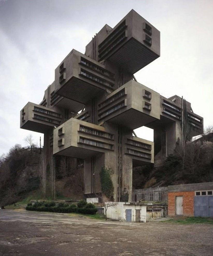 Футуристическая архитектура советской эпохи.