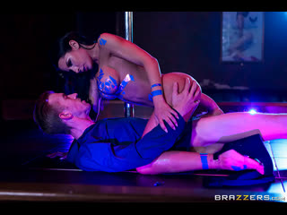 Brazzers - Pixel Whip Strip / Madison Ivy & Danny D