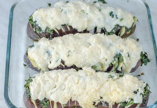 """Запечённые баклажаны """"Гармошка"""" с картофелем, под сырной корочкой"""
