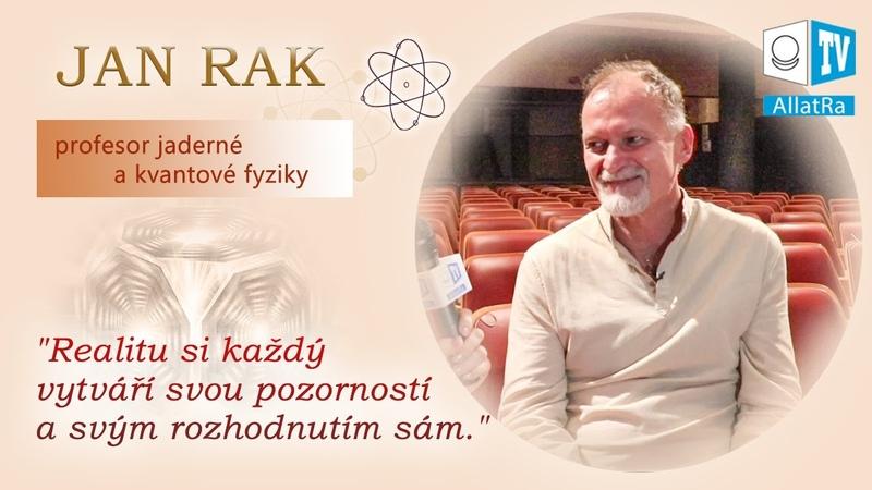 """Rozhovor s profesorem J Rakem """"Láska je tvořivá síla která hne nekonečnou prázdnotou"""