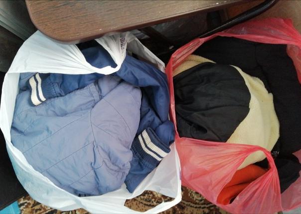 Куртки, кофты, рубашки,жилетка  на 4-6лет, пакетом...