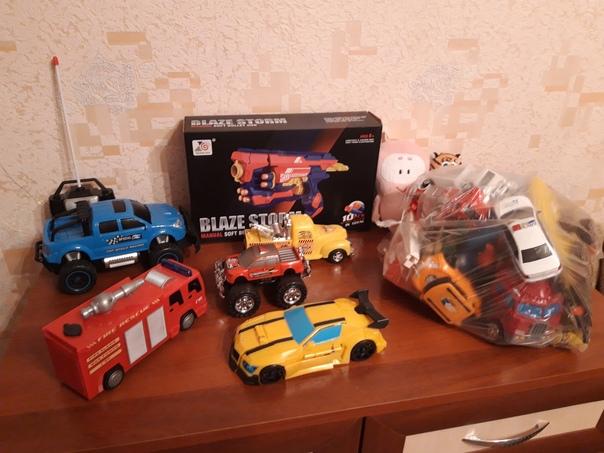 Отдам игрушки для мальчика,всё в одни руки. М.Акад...