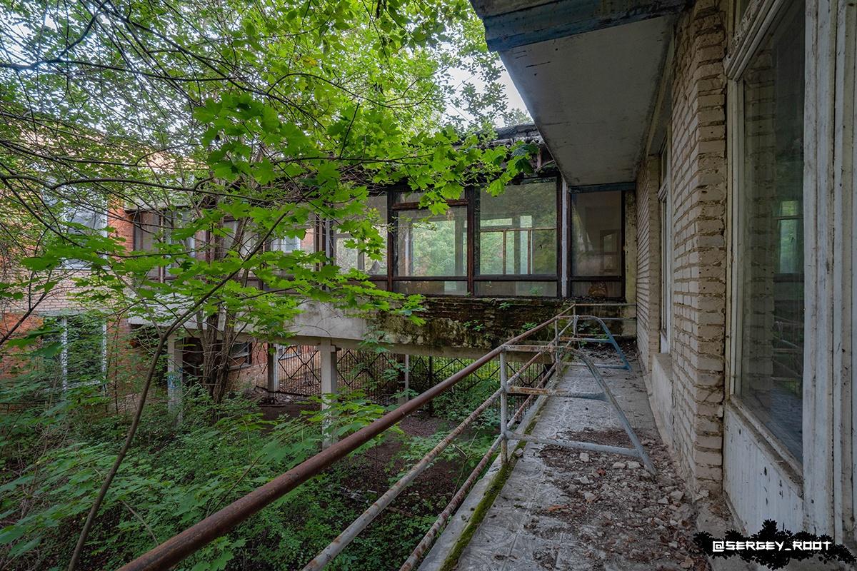 Заброшенный санаторий в Московской области.
