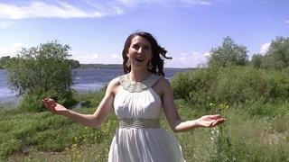 """Я люблю тебя, Россия"" исполняет Александра Фридман"