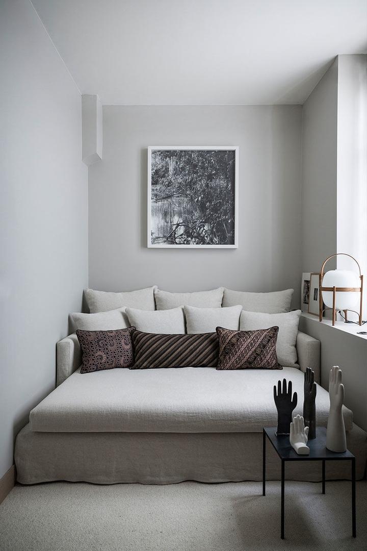 Изысканный монохромный дизайн апартаментов в Париже