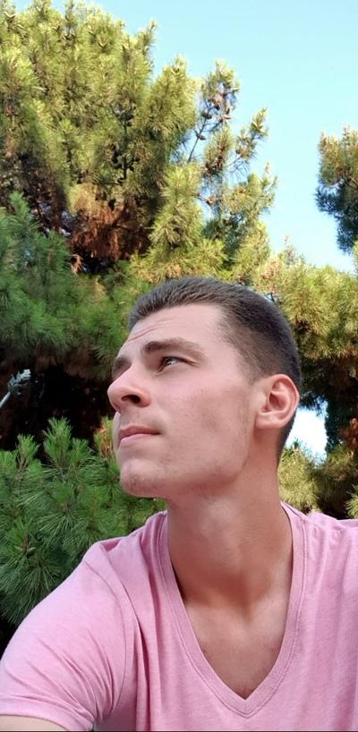 Иван, 20, Tula