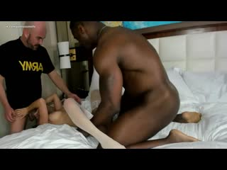 Teen Wife Gets Негр трахнул миниатюрную девушку пока ее муж снимал - Pounded by Porn-star 1st Interracial Experience 1st Bbc