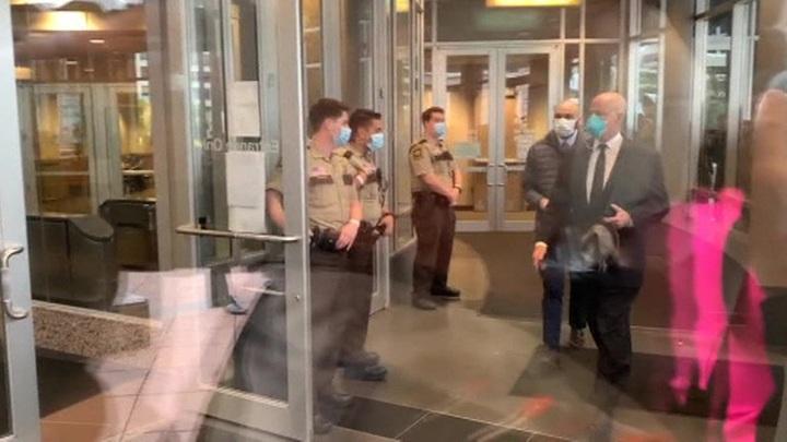В Миннеаполисе прошли досудебные слушания по делу об убийстве афроамериканца Джорджа Флойда