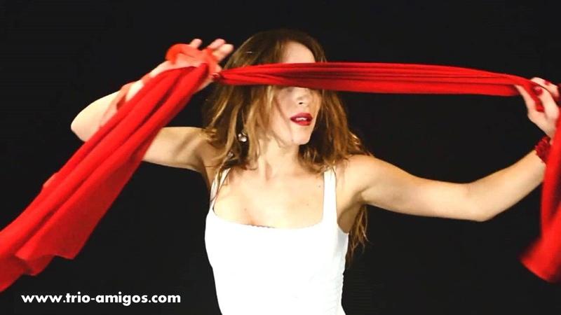 PASSIONE TARANTA - Balla Beddha mia - Official Music Video from Salento, Apulia