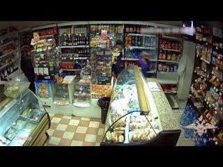 Сотрудники уголовного розыска задержали подозреваемых в разбойном нападении на продавца круглосуточного магазина